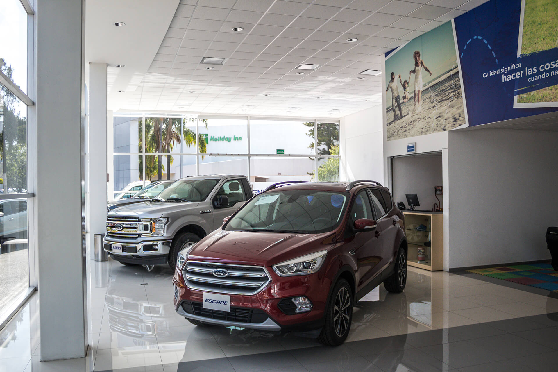 Ford Ravisa Las Américas - Imagen 1